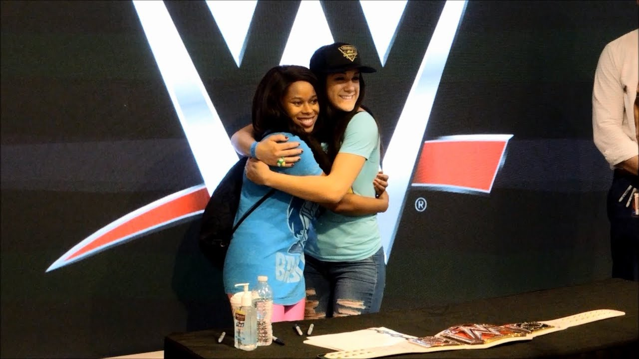 Wwe superstar bayley meet greet at nintendo ny youtube wwe superstar bayley meet greet at nintendo ny m4hsunfo