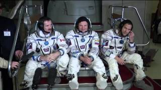 Next Crew Trains for ISS