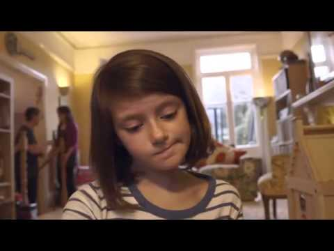 طفلة تصور ثانية واحدة كل يوم في سنة و النتيجة فيديو يحصد 10 مليون مشاهدة في يوم واحد