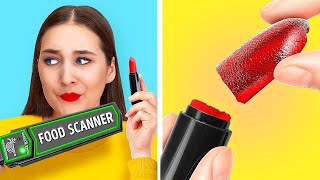 HOW TO SNEAK CANĎIES INTO MAKEUP! || Sneaking Food Hacks by 123 Go! GENIUS