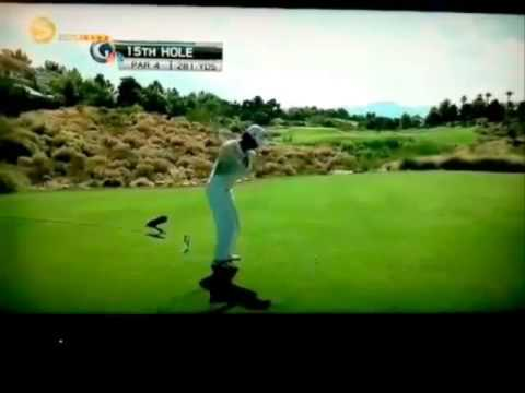 Kevin Na misses ball