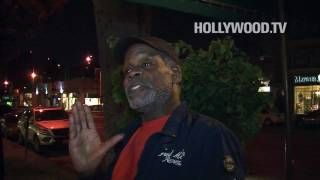 Danny Glover gets mad at the paparazzi