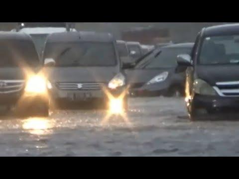 Banjir 80 Cm Genangi Jalan Utama Kota Makassar Mp3