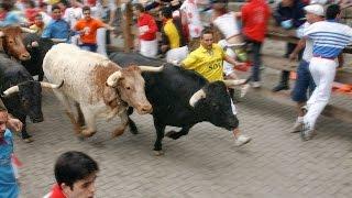 Смертельный бой быка с человеком(Испанская коррида / Смертельный бой быка с человеком https://www.youtube.com/channel/UC3SkJpdquLE0mAyCYvCOXGg Полезные ссылки VK -..., 2015-04-16T16:44:03.000Z)