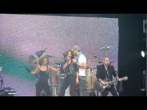 Enrique Iglesias ft Ciara - Takin_ Back My Love LIVE _ London.