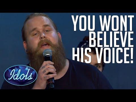 BEST SINGING VOICE OF 2017?! Christoffer Kläfford Audition Blows Judges Away On Idols Sweden