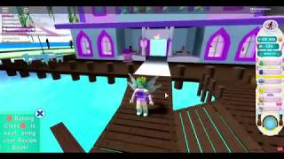 Roblox Royal High Hholykukingames Made It Thru Her First Day