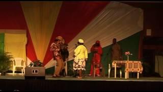 A Sa Go : Does Cabaret   A Jampanesi piking nanga a djoeka boi