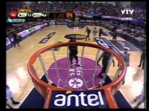 Michael Sweetney, 4th Qtr (pt1) - (Atletico Biguá) - 02-17-11