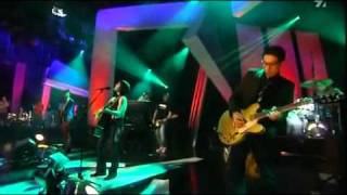 Alanis Morissette - Everything (Live)