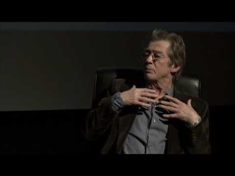 John Hurt: Alien  mythbuster