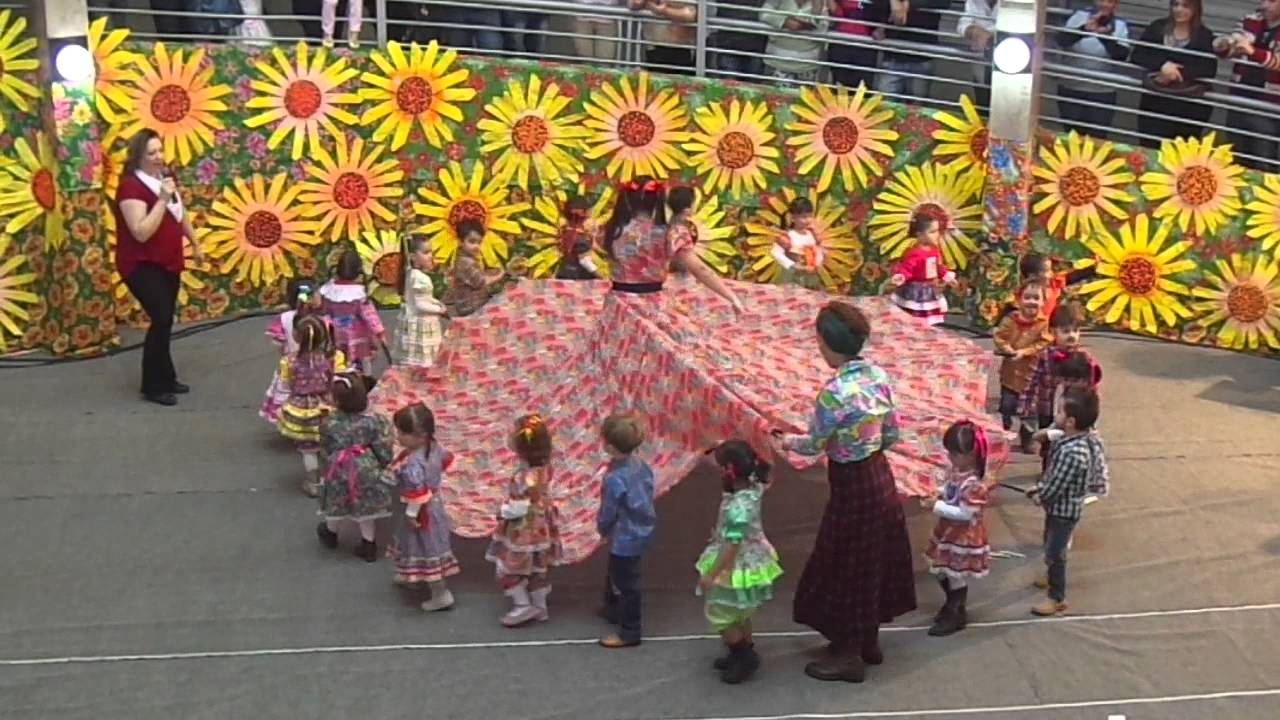 festa junina colegio objetivo 2015 infantil i dança da saia