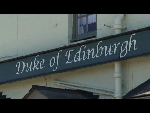 """Gb, funerali Principe in diretta con il pub """"Duca di Edimburgo"""""""