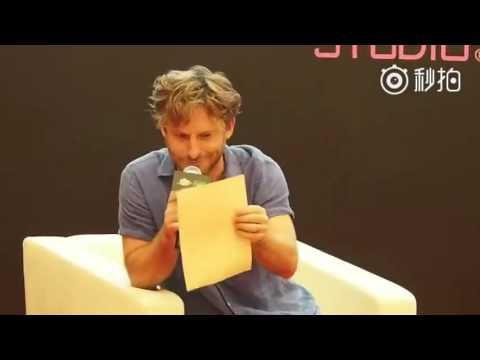 Dean O'Gorman singing 'Misty Mountains' @ Beijing Comic Con
