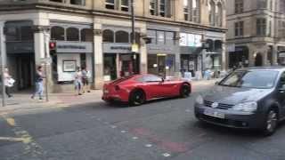 Video Mario Balotelli drives around Manchester in Red Ferrari download MP3, 3GP, MP4, WEBM, AVI, FLV Juni 2018