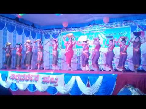 Suggi kala folk dance in vishwadarshana school Yellapur