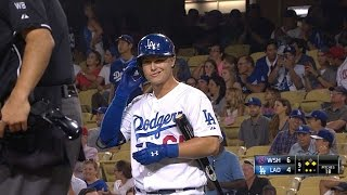 WSH@LAD: Pederson makes MLB debut in 9th inning