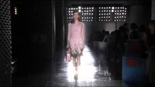 Revista OQ - Prada Spring Summer 2012 Tokyo Fashion Show Thumbnail