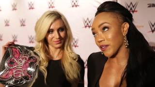 Charlotte & Alicia Fox über die Deutschland-Tour: WWE Live in Stuttgart (Red Carpet)