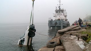 В Архангельске два человека погибли в результате падения автомобиля в Северную Двину