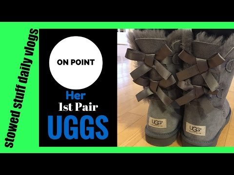 FIRST PAIR OF UGGS! EMILIY GETS BAILEY BOW UGGS FOR HER BIRTHDAY!