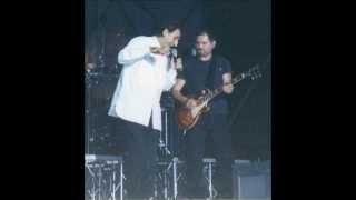 """F. Battiato e M. Sgalambro in """"Paranoia"""" live 1999"""