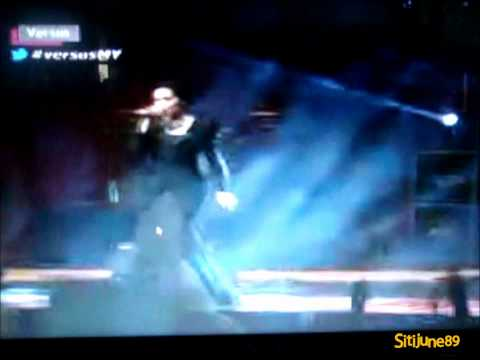 Dato Siti Nurhaliza Feat HUJAN @Versus final!