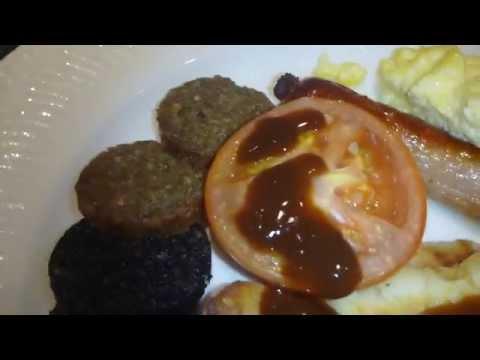 breakfast-in-the-europa-hotel-belfast-northern-ireland-october-2014
