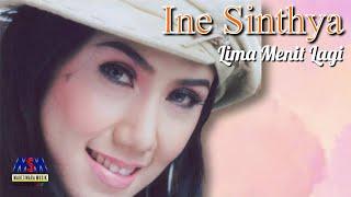 Download Ine Sinthya - Lima Menit Lagi Versi Dangdut [Official Lyrics Video]
