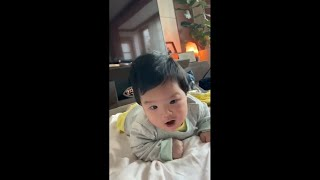 [SUB]생후 2개월 아기 목가누기 셋째날!! / 육아…