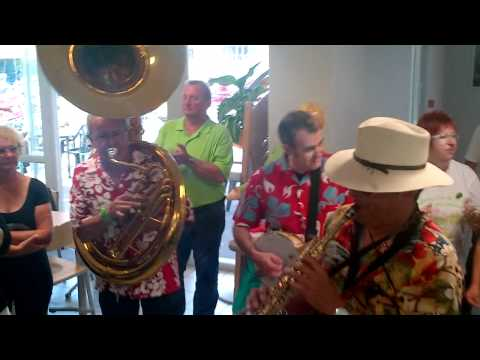 Boogie woogie de la goldwing du Jazz band auvergnat.mp4