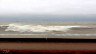 big waves hit Chicago lake front
