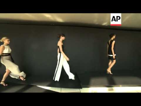 Pamella Roland shows minimal color, clean lines at New York Fashion Week