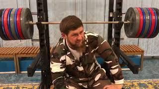 Кадыров в тренажерном зале. Эксклюзивное видео!