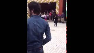 На чеченской свадьбе и такое бывает))