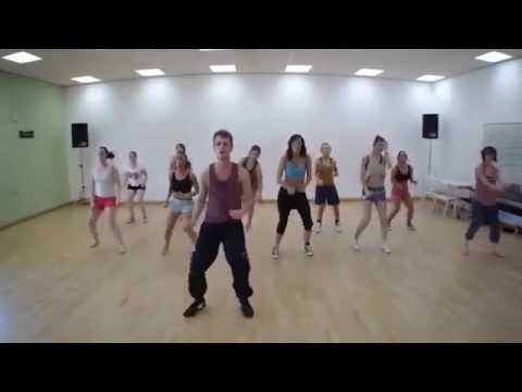 conga-zumba-remix-(musica-original-da-gloria-estefan)-zumba-fitness