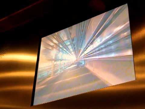 В скоростном лифте Останкинской башни