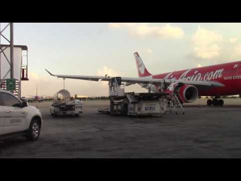 Don Muang Airport Bangkok [Shuttlebus to Terminal] See all Jets!