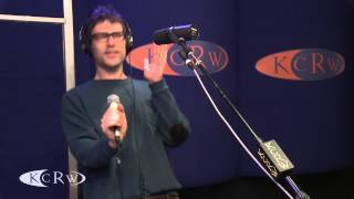 "Jamie Lidell performing ""Dont You Love Me"" Live on KCRW"