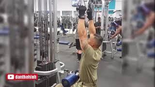 Video Bài Tập Thể Hình Cực Khủng Của Lính Mỹ download MP3, 3GP, MP4, WEBM, AVI, FLV Juli 2018