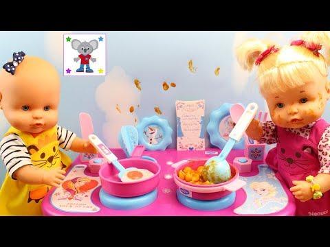 Las Bebés Nenuco HERMANITAS TRAVIESAS cocinan Comiditas de verdad en la Cocinita de FROZEN