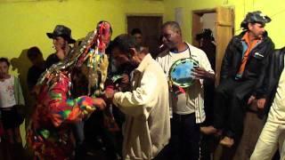Palhaço dançando na Folia dos Reis Magos Santa Marta- Ibitirama/ES