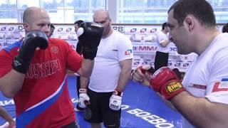 Боксерская техника Федора Емельяненко, работа на лапах и в парах