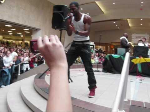 Jason Derulo - whatcha say. (dartmouth mall) with lyrics