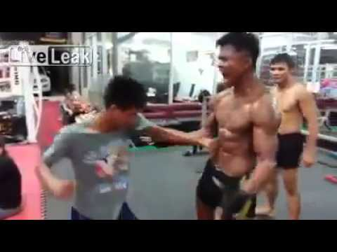 "Extreme Six Pack "" Abs ""  Buakaw Banchamek"