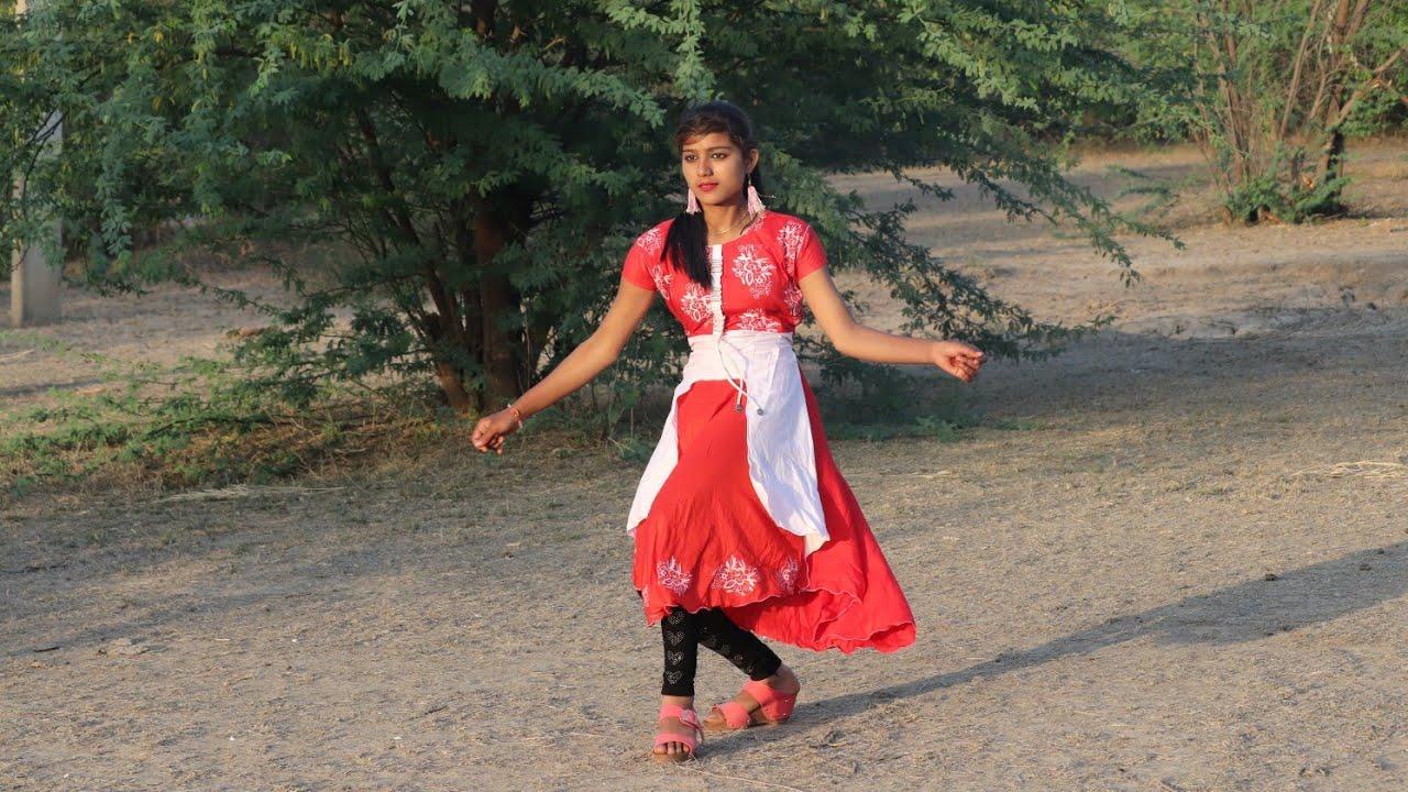 शहर की लड़की ने किया गांव के जंगल में देहाती डांस ||  मेरे पेट में दर्द भरतार || Ajeet Katara Rasiya