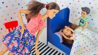 Зачем Катя Пряталась у Макса в Кровати? Мультик #Барби Для девочек Куклы Игрушки IkuklaTV