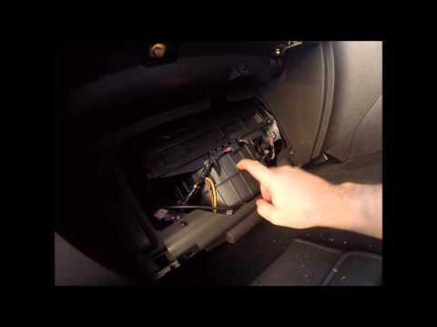 Ford BA Falcon 2003 Glovebox Removal