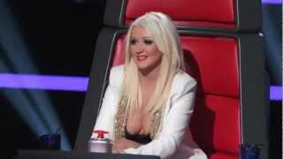 Christina Aguilera big cleavage The Voice