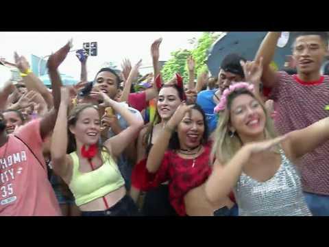 Blocos de Carnaval animam foliões em todo o país
